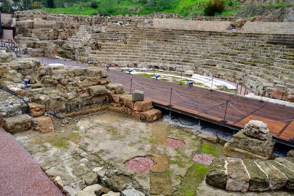 el-teatro-romano-de-malaga